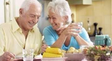 التغذية الملائمة تقي كبار السن من الإصابة بالعدوى