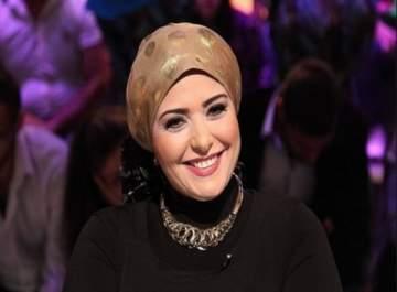 صابرين تظهر للمرة الأولى من دون حجاب