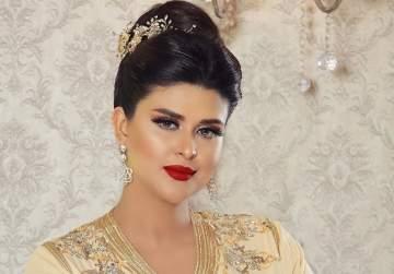 سلمى رشيد تنشر صورة لمولودها بالزي المغربي