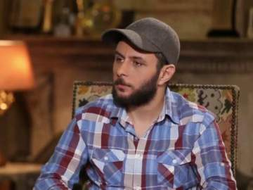 بالفيديو- عمر الفيشاوي يكشف سبب طلاق فاروق الفيشاوي وسمية الألفي