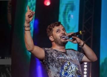 حاتم عمور يحصد جائزة أفضل عمل مغربي-بالصور