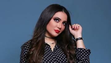 """أمينة العلي هاجمت أحلام وسخرت من أنجلينا جولي.. وتعترف أن """"جمالها ربّاني"""""""