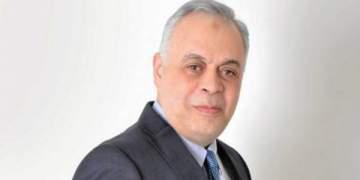 تدخل أشرف زكي في تسهيل دفن هيثم أحمد زكي نبل وإنسانية