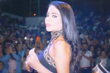 ليال عبود تغني وتشغل حماسة 5 الاف شخصاً في بقاعكفرا..بالصور