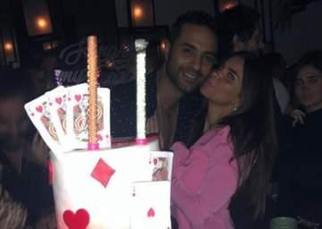 قبلة كريم فهمي لزوجته تشعل تعليقات الجمهور