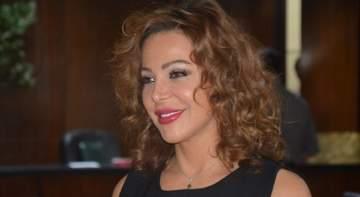 سوزان نجم الدين تتعرض للسرقة-بالفيديو