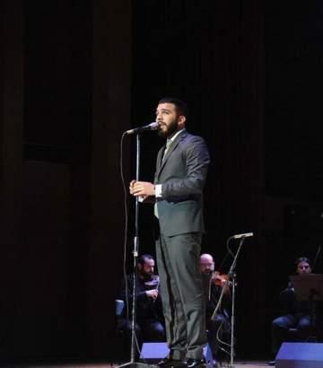حازم شريف يغني مع نجوم