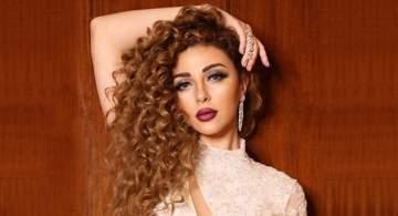 """ميريام فارس تدعم المرأة اللبنانية الثائرة والمطلوب """"كلنا نلبس أبيض"""""""