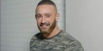 كيف تقدّم أحمد السقا لخطوبة زوجته؟-بالفيديو