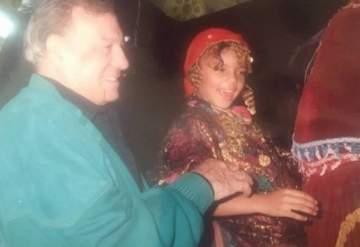 من هي هذه الطفلة الى جانب فريد شوقي التي أصبحت ممثلة شهيرة؟