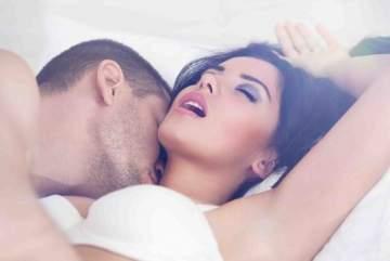 المرأة خلال ممارسة الجنس..تصرخ ألماً أم إثارة؟