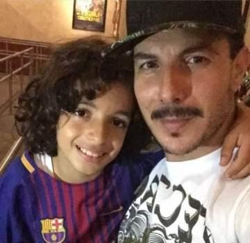 شاهدوا باسل خياط يرقص مع إبنه في وسط الطريق- بالفيديو