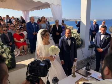 جورج عيد ورنا ريشا يدخلان القفص الذهبي في قبرص- بالصور