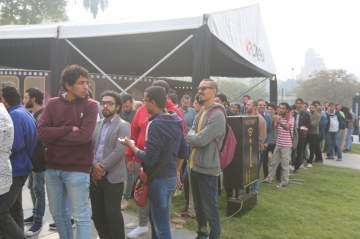 """أحمد شوقي :""""مهرجان القاهرة يشهد إقبالاً غير متوقعاً..وهذه البطاقات غير متاحة للجمهور"""""""