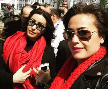 هند صبري ولطيفة حزينتان بسبب حادثة الحافلة في تونس-بالصور
