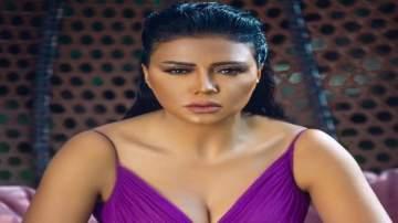 """رانيا يوسف تتعرض لوعكة صحية وتقول """"هونها يا الله""""-بالصورة"""