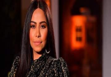 شيرين عبد الوهاب إعتزلت الغناء لأربعة أيام وإتُهمت بالاساءة لوطنها.. وإنتقدت لدعمها لبنان