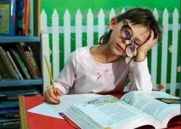 كيف تساعدون اطفالكم على اتمام واجباتهم المدرسية؟