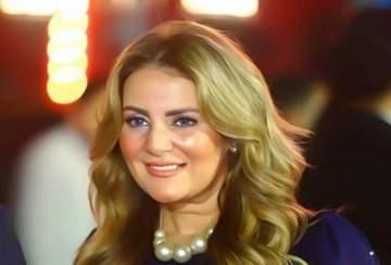 رانيا محمود ياسين تشبه نفسها بهذه النجمة التركية