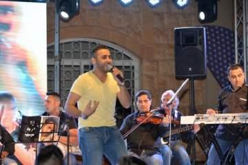 عمر جاد يشعل أجواء الحفل السنوي لجامعة سيدة اللويزة..بالصور