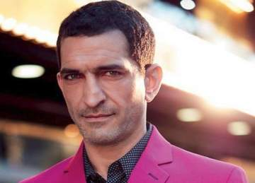 بلاغ يطالب الانتربول بإلقاء القبض على عمرو واكد