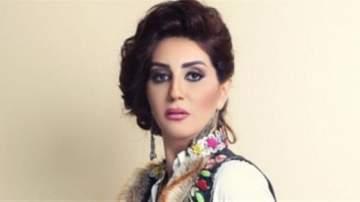 وفاء عامر تتوجّه الى السعودية لأداء مناسك العمرة..بالفيديو