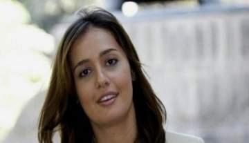 حلا شيحة تعود الى مصر وهكذا جرى اللقاء مع شقيقتيها- بالفيديو
