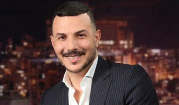 زوجة باسل خياط تخطف منه الأنظار وتثير الجدل- بالصورة