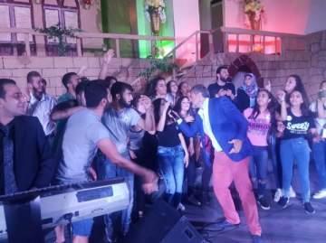 باسل عيد يحيي عدة حفلات في لبنان ويحضّر لأغنية وطنية.. بالصور