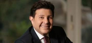 فنان مصري يهدد هاني شاكر ويطلب من جمهوره اسقاطه
