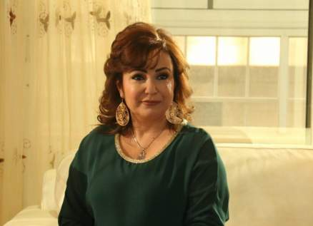 تولاي هارون تهاجم نقابة الفنانين السوريين بسبب نشرها لإسمها الحقيقي