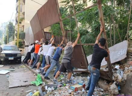 خاص بالصور-جمعية نسروتو تلملم ركام الإنفجار وتساعد العائلات المتضررة