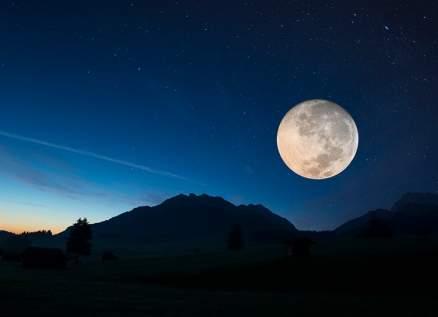 إكتشف كيف يؤثر القمر على حياتك وقراراتك