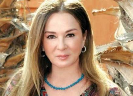 نجلاء فتحي برفقة حفيدتها زين – بالصورة