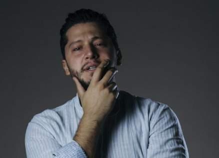 أنس طيارة تخرّج على يد بسام كوسا.. وغنّى لـ وائل كفوري