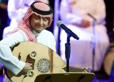 """بعد إثارته الجدل بكلمة """"طز""""..هذا ما قاله عبد المجيد عبدالله"""