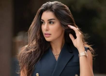 ياسمين صبري بأول ظهور لها بفستان الزفاف- بالصورة