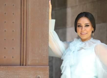 إصابة فنانة مصرية ووالدتها بفيروس كورونا ومي فاروق ومروة ناجي مصدومتان-بالصور