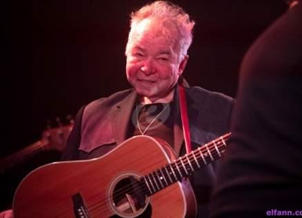 وفاة المغني الأميركي جون براين بسبب مضاعفات فيروس كورونا