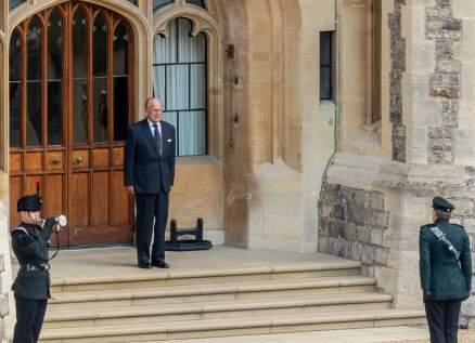 بعد 67 عاما من الخدمة..الأمير فيليب يسلم هذا المنصب لزوجة ابنه