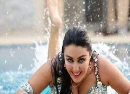 بالفيديو- صافيناز ترقص بإثارة وصدر مكشوف