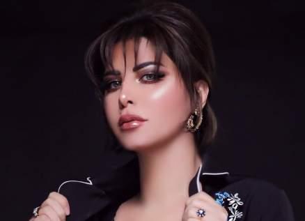"""شمس الكويتية تثير الجدل بتصريحها: """"شيرين عبد الوهاب ليست زميلتي""""-بالفيديو"""