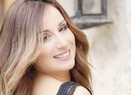 كارين رزق الله تصدم متابعيها بصورتها الجريئة
