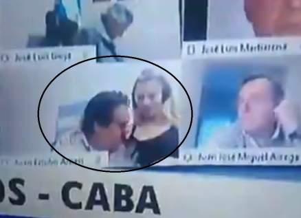 نائب يقبّل صدر زوجته خلال بث مباشر لجلسة برلمانية- بالفيديو