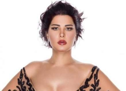 """شمس الكويتية :""""عندي إنفصام وأحب جزمي أكتر من أي علاقة رومانسية""""-بالفيديو"""