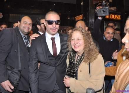 أحمد الفيشاوي ينشر صورة لوالدته سمية الألفي من داخل غرفة نومها!!