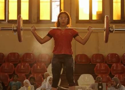 """""""عاش يا كابتن"""" في المسابقة الدولية لمهرجان القاهرة السينمائي.. وهذا ما كشفه محمد حفظي ومخرجة العمل مي زايد"""