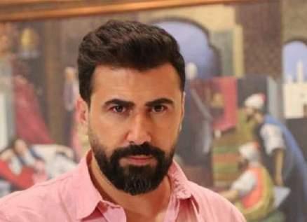 خاص الفن- خالد القيش يتعرض لحادثة غريبة مع شقيقه!