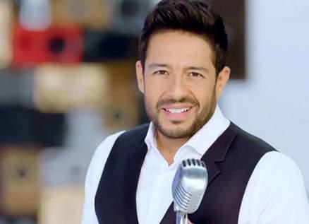 بالفيديو- محمد حماقي يتعرض لموقف محرج خلال حفله في السعودية