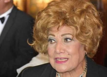 وفاة الممثلة المصرية عايدة كامل